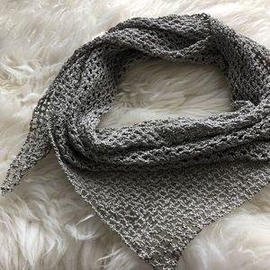 Hand made elegant triangle women scarf
